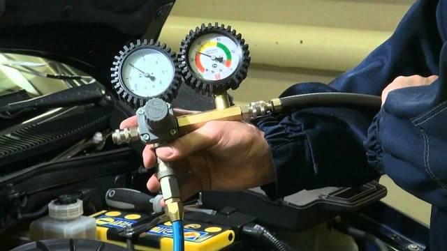 Компрессометр на двигателе